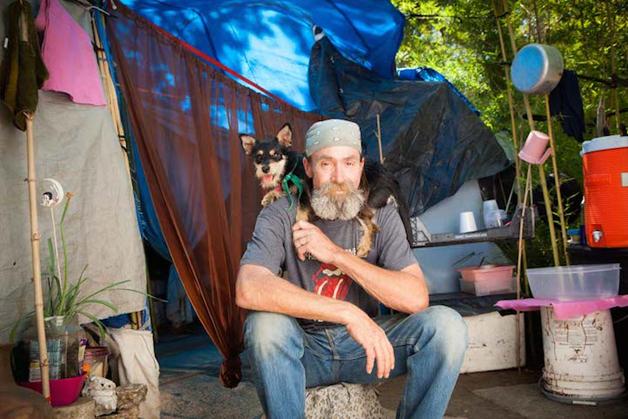8 Amor entre moradores de rua e seus animais